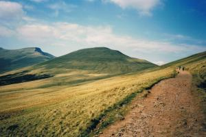"""wide open hillsides"" in de Brecon Beacons, het Nationaal Park de Brecon Beacons, Wales"
