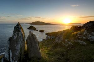 View Blasket Islands hiking trails Ireland Dingle way